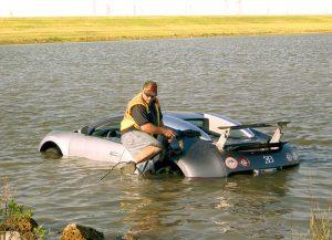 Bugatti en agua salada.