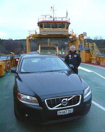 El suizo Felix Egolf condujo 1900 km con un tanque en un Volvo V70 DRIVe.