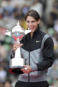 Nadal casi dobla en puntos a Federer