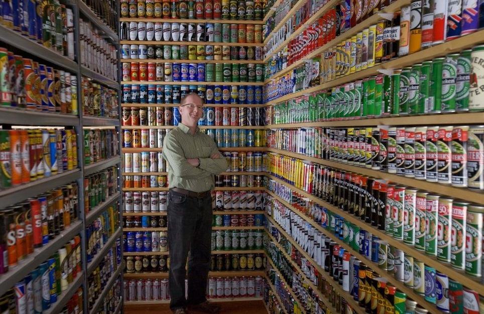 Nick West Y Sus Botes De Cerveza El Rastreador De Noticias
