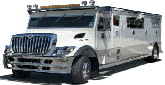 armored-limo-vault-xxl-668-x-400
