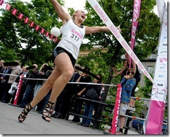 elin bjerre ganadora 100 m tacones altos STILETTO RUN Estocolmo