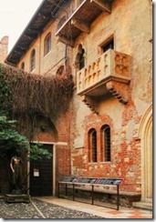 The Juliet's House with the balcony and sculpture, Verona, Italy.