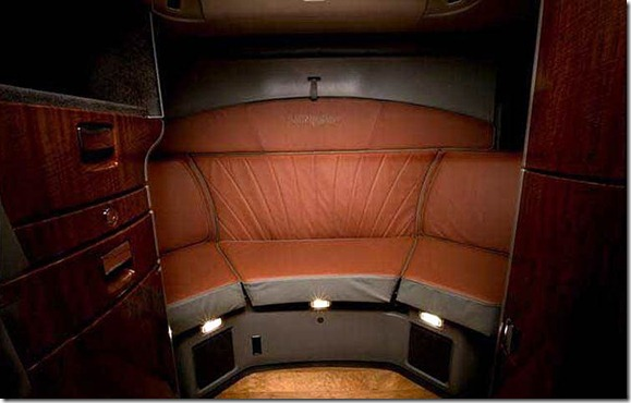 International_loneStar Interior_Sleeper_Lighting