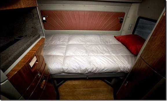 International_loneStar Interior_bed