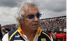 Briatore: «Alonso tiene que ganar un Mundial con Ferrari»