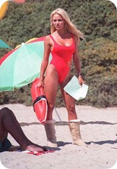ugg-boots_pamela-anderson-baywatch-