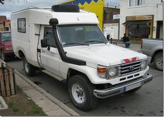 A Toyota HZJ79--