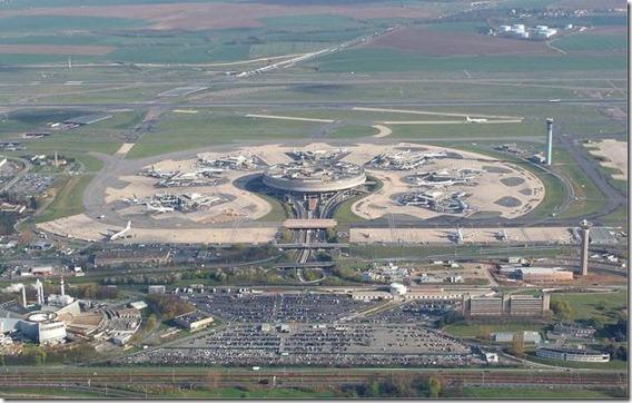 Paris-Charles_de_Gaulle_Airport_1