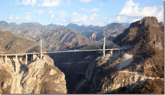 México construye el puente colgante más alto del mundo