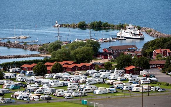 grannastrandens-camping-oversikt-hamn