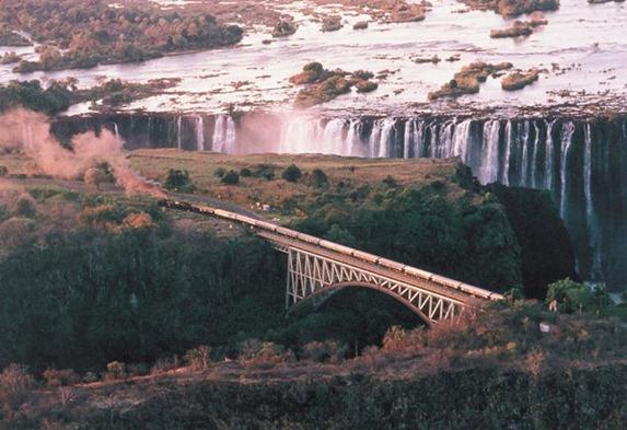 Rovos_Rail_vic_falls_1993