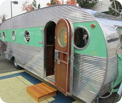 1950 Airfloat 24' Land Yacht-
