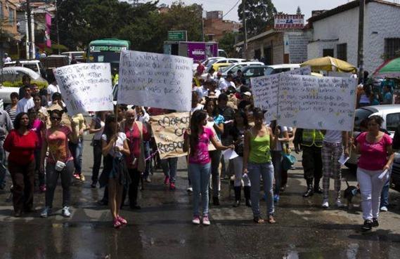 protesta-robledo-mascotas-6