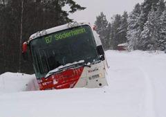autobús a la cuneta - foto kristen bjerknes