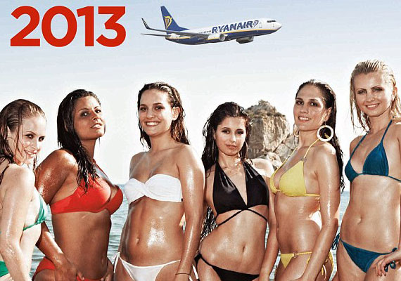 Ryanair_hostess2013
