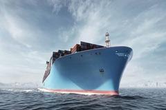 Världens största containerfartyg testkörs Fartyget Triple-E är 400 meter långt och 59 meter brett.