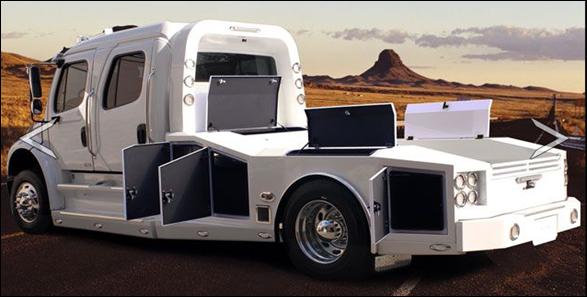 Freightliner_M2_106_Scottsdale_Edition