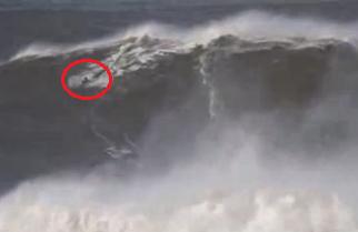 Andrew Cotton surfea una ola 24 metros en Nazaré