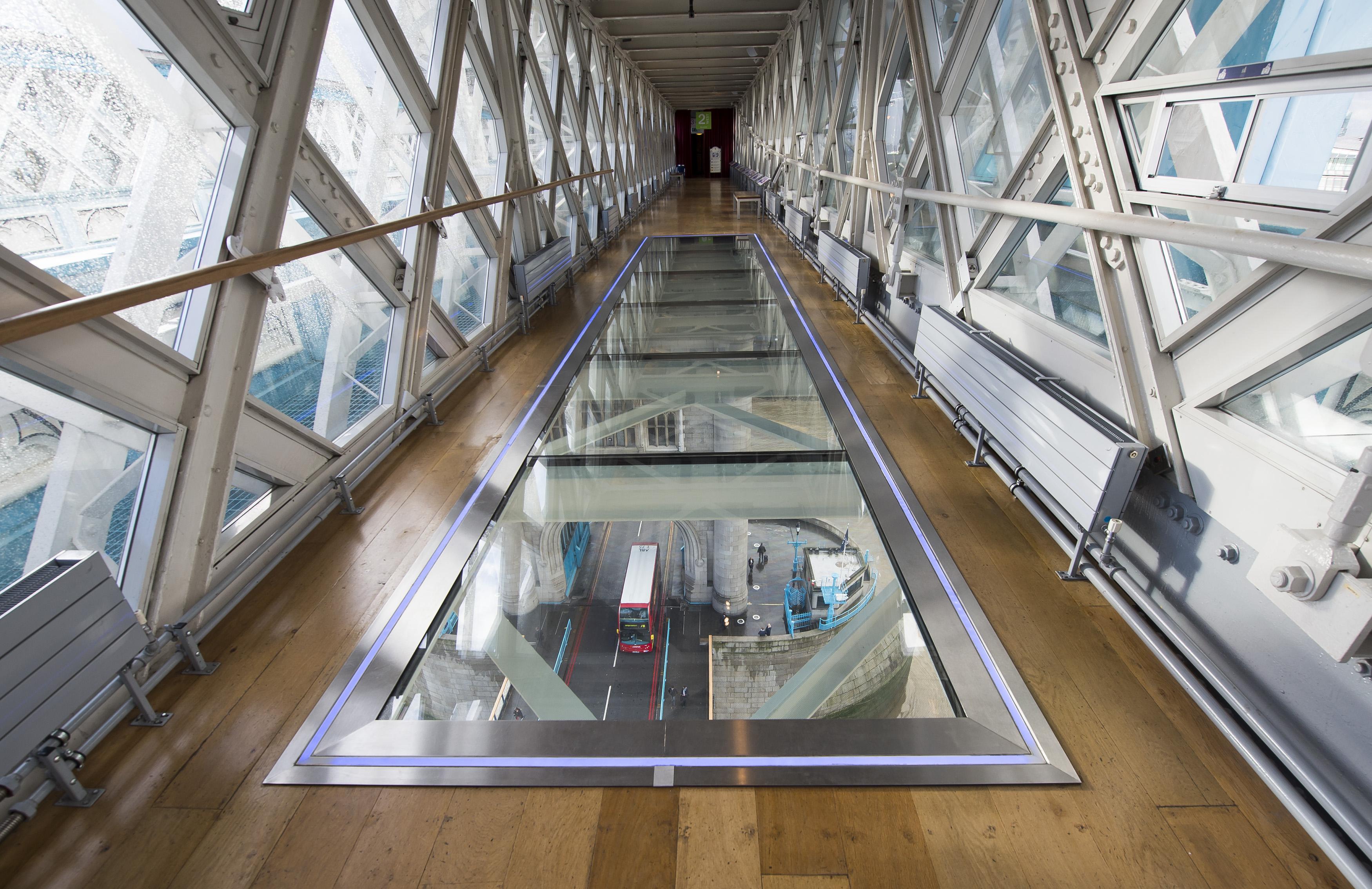 El Tower Bridge Estrena Pasarela De Cristal