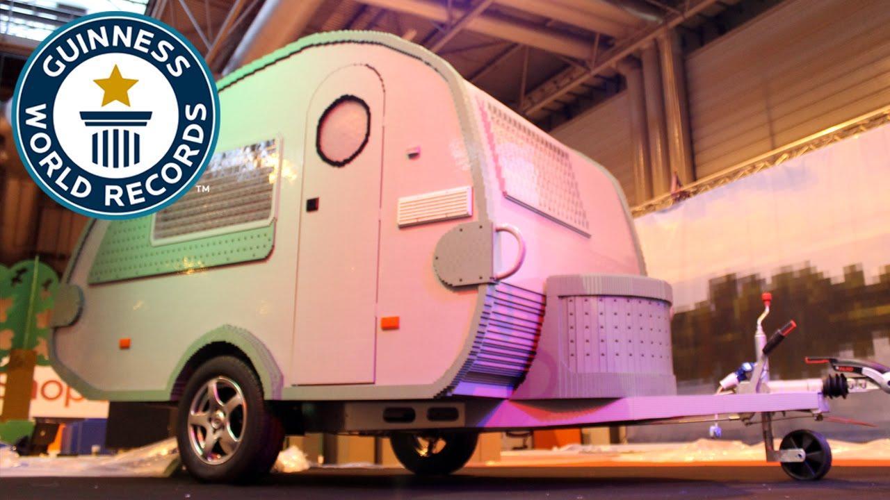 The-Largest-Caravan-Built-With-Interlocking-Plastic-Bricks