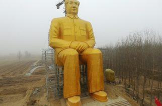 Capitalistas rinden homenaje a Mao con gigantesca estatua dorada de 37 metros