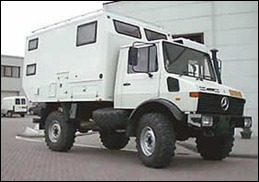 CAMPERS 4x4-unimog-wit