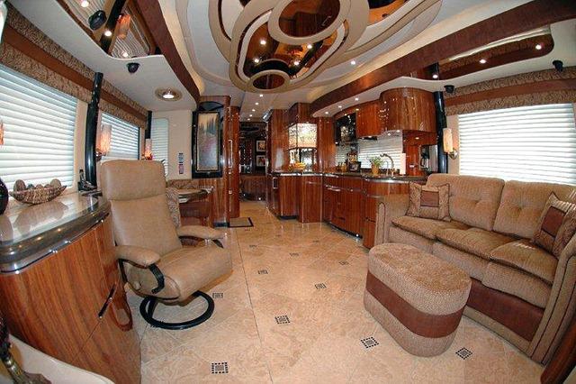 NEWELL Coach Luxury Motorhomes