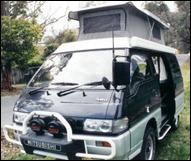 Mitsubishi_L300_Pop_Top_1a
