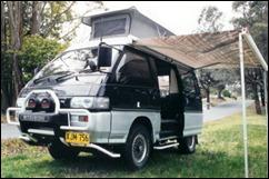 Mitsubishi_L300_Pop_Top_1b