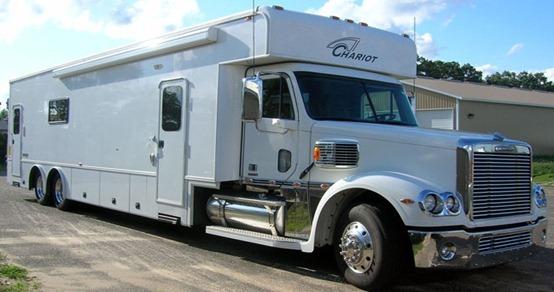 B Chariot-Dominator-Garage-CS