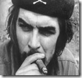 Ernesto Che Guevara Fumando puros, una de sus pasiones