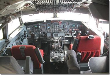 Boeing_707-123_B_(1959)_Cockpit