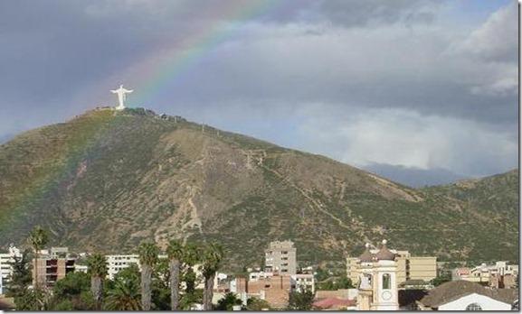 cochabamba-bolivia-el-cristo