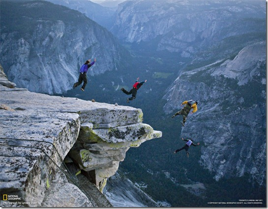 half dome base jump foto jimmy chin