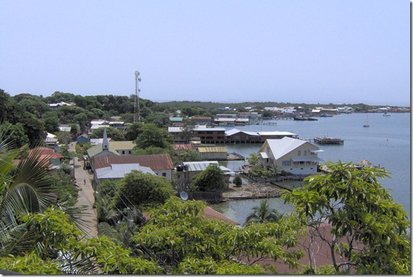 Utila-Harbor-02