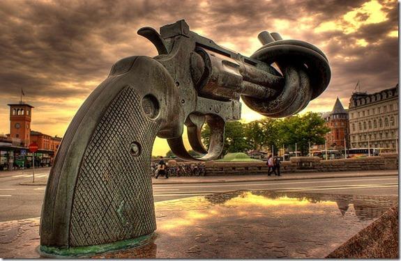Carl Fredrik Reuterswärd sculpture ;Non Violence 1985 Malmö, Sweden