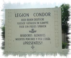 Placa en honor a la Legión Cóndor en el cementerio de La Almudena