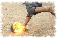 futbol balón de fuego indonesia