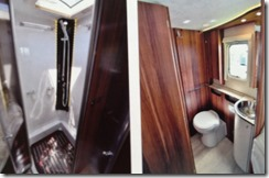 ROLLERTEAM PEGASO MYTHOS 285-- baño