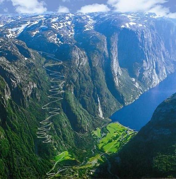 Kjerag Lysebotn-Noruega