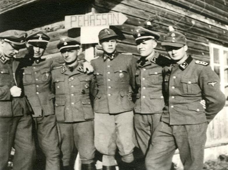 Voluntarios_suecos_en_Narva_(de_izq_a_der Gösta Borg, Hans-Caspar Kreuger, Hans-Gösta Pehrsson, Gunnar Eklöf, Carl Svensson och Thorkel Tillmann.
