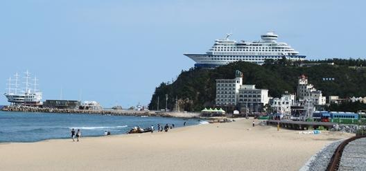 Sun_Cruise_Resort_&_Yacht4