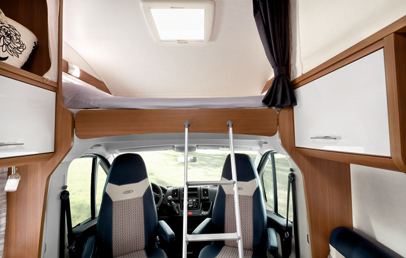 LMC Breezer A714G - cama techo