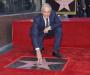 Michael Douglas recibió estrella en el Paseo de la Fama